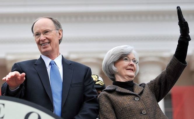 robert bentley resigns: tracing the rise and fall of alabama's ex