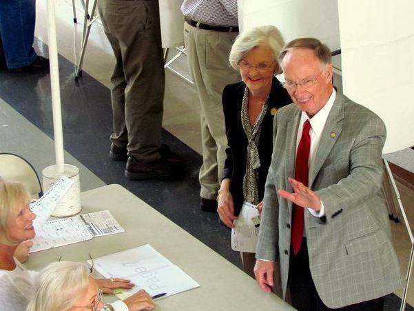 First Lady Dianne Bentley with her then-husband Robert Bentley. Gov. Bentley resigned last week.