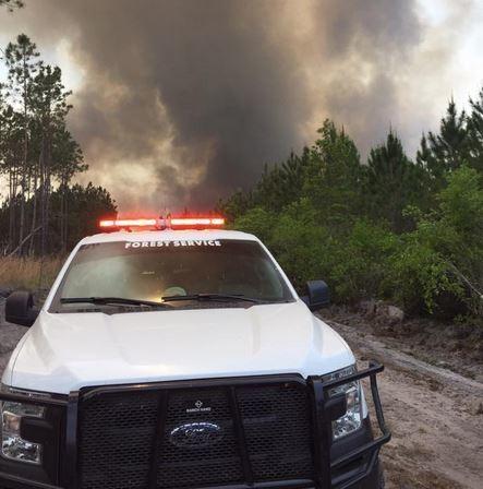 Wildfire On Georgia Florida Line Worsens 140 000 Acres Burning