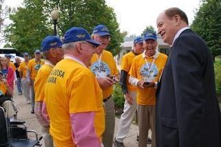 Sen. Richard Shelby visits with Alabama veterans during a trip to Washington, D.C.