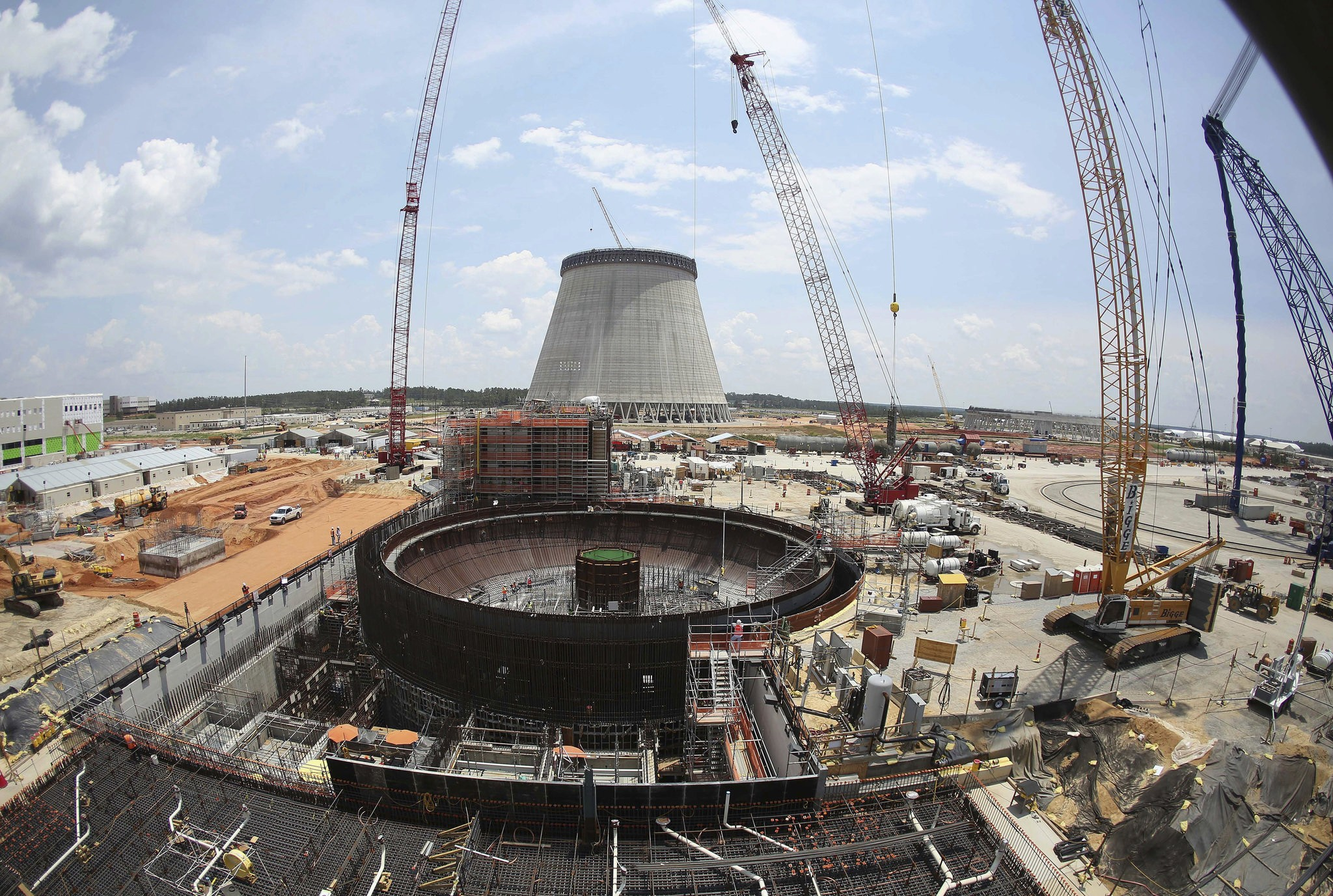 Fate of $28 billion Georgia nuclear plant down to 'game of chicken