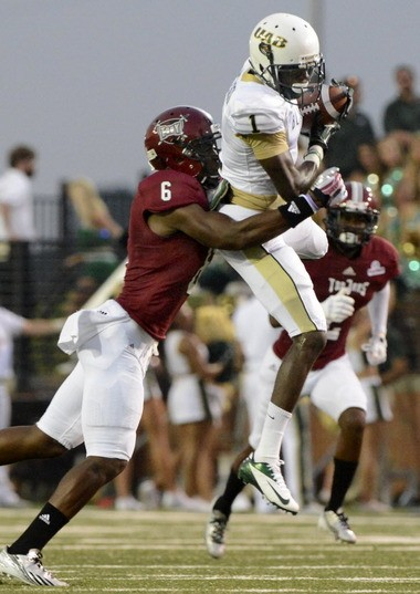 UAB wide receiver Jamarcus Nelson catches a pass against Troy at Veterans Memorial Stadium in Troy, Ala., on Saturday, Aug. 31, 2013. (Mark Almond/malmond@al.com)