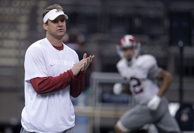 Alabama offensive coordinator Lane Kiffin runs drills during practice at the Mercedes-Benz Superdome in New Orleans, Monday, Dec. 29, 2014. They will square off against Ohio State in the Allstate Sugar Bowl NCAA football game, which will be played Jan. 1, 2015. In the Senior Bowl player survey, players voted Kiffin was better suited as a college coach than NFL coach. (AP Photo/Gerald Herbert) ORG XMIT: LAGH110