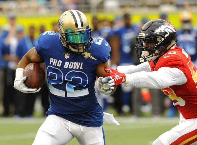 NFC running back Mark Ingram of the New Orleans Saints carries the football during the Pro Bowl on Sunday, Jan. 28, 2018, in Orlando, Fla.