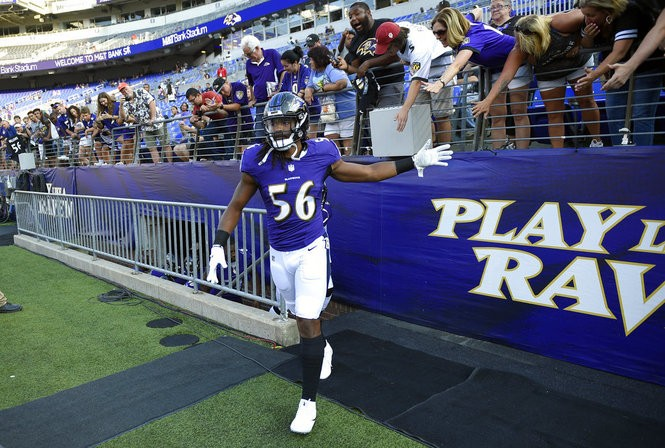Baltimore Ravens outside linebacker Tim Williams takes the field before an NFL preseason game against the Los Angeles Rams on Aug. 9, 2018, in Baltimore.