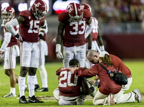 Shaun Dion Hamilton's career at Alabama ended Nov. 5, 2017 with a broken knee cap against LSU.