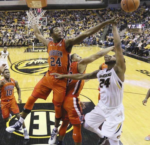 Auburn center Anfernee McLemore has shown some hesitation under the rim coming off his late-season leg injury. (AP Photo)