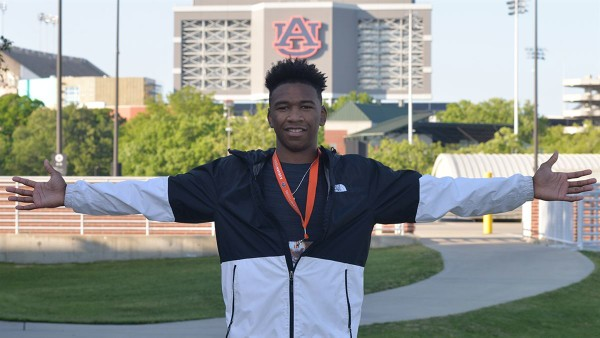 Four-star athlete Jaylin Simpson committed to Auburn's 2019 recruiting class on Monday. (Photo courtesy 247Sports)