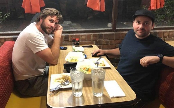 Actor Liam Hemsworth and a companion named Matthew enjoyed a vegetarian dinner Tuesday night at Aroy Thai Cuisine in Mobile. (Courtesy Aroy Thai Cuisine)
