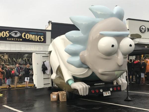 The Rickmobile, outside of Sanctum Comics in Avondale
