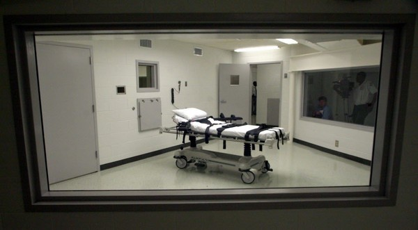 This Oct. 7, 2002 file photo shows Alabama's lethal injection chamber at Holman Correctional Facility in Atmore. Gov. Kay Ivey has signed a bill creating an alternative form of execution, by nitrogen hypoxia. (AP Photo/Dave Martin, File)