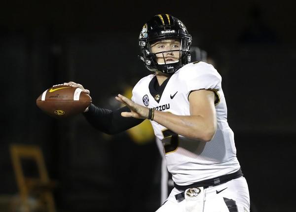 Missouri quarterback Drew Lock passes against Vanderbilt during an SEC game on Nov. 18, 2017, in Nashville, Tenn.