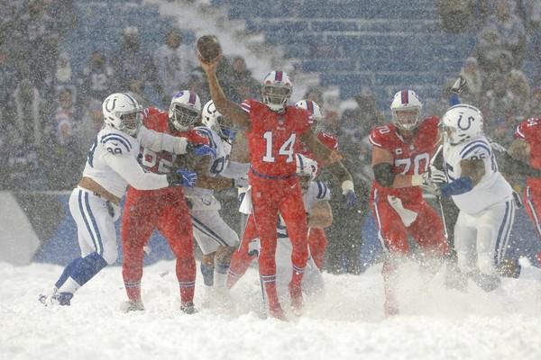 Joe Webb Helps Buffalo Bills Win Blizzard Bowl Al Com