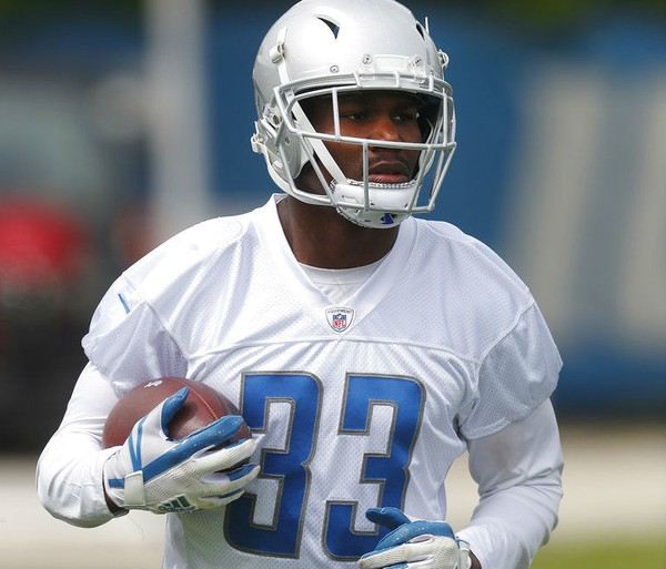 Detroit Lions running back Kerryon Johnson carries the football during  practice at the NFL team s training 564783d5f