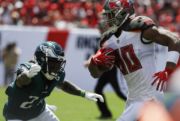 9688bc38de5 Tampa Bay Buccaneers tight end O.J. Howard runs for the end zone after  catching a pass