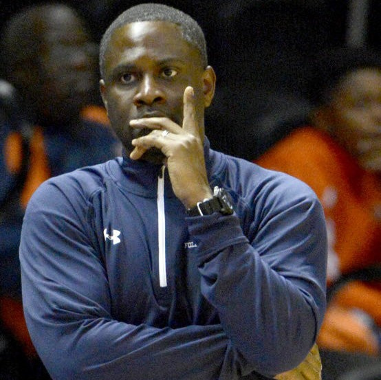 Former Foley head coach Shumbe Hunter is the new boys basketball coach at Williamson. (AL.com File Photo)