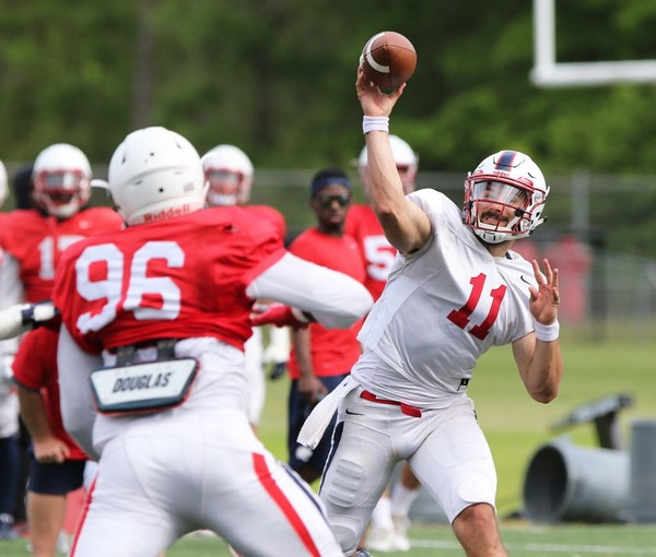 Former South Alabama quarterback Dallas Davis (11) has enrolled at UAB as a graduate transfer. (Mike Kittrell/AL.com)