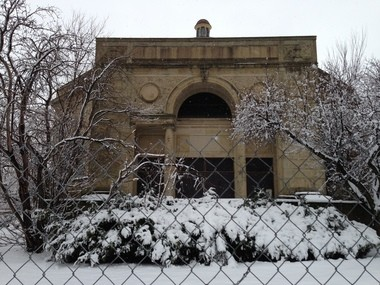 The entrance facade of the Fifth Church of Christ, Scientist, in the winter of 2012-2013.