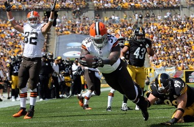 Browns running back Isaiah Crowell is tied for the NFL lead with three rushing touchdowns.