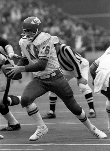 Alliance native Lenny Dawson (16) led the Kansas City Chiefs to a pair of Super Bowls, winning one.