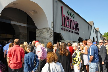 Customers wait outside Heinen's Bannockburn store on its Aug. 13 opening day. The Cleveland grocer has four stores in Greater Chicago.