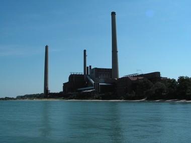 NRG to keep burning coal at Avon Lake power plant, but add