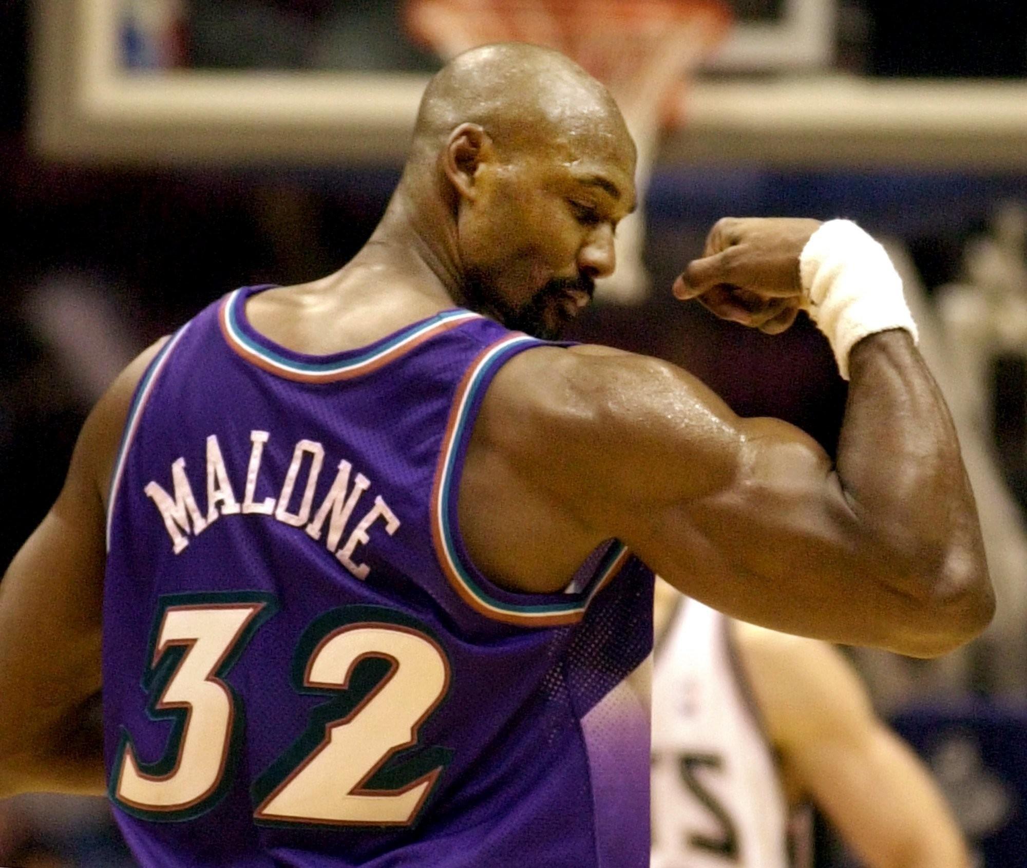數據專家曬例行賽+季後賽連續得分上雙紀錄:Jordan第1 Malone第2!-籃球圈