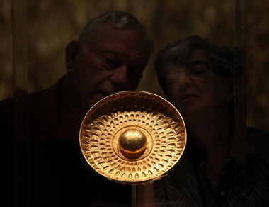 """The ancient Sicilian """"phiale,"""" or libation bowl, on view in the Cleveland Museum of Art's exhibition on Sicilian antiquities, is the kind of object worth crossing an ocean to see."""