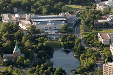 An aerial view of the Cleveland Museum of Art in 2011.