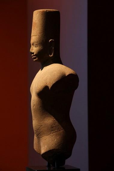 Vishnu, 650âÂÂÂÂÂÂ700, Sandstone, Cambodia, Prasat Andet.