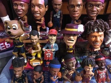 Bob Manak has 1,564 bobbleheads.