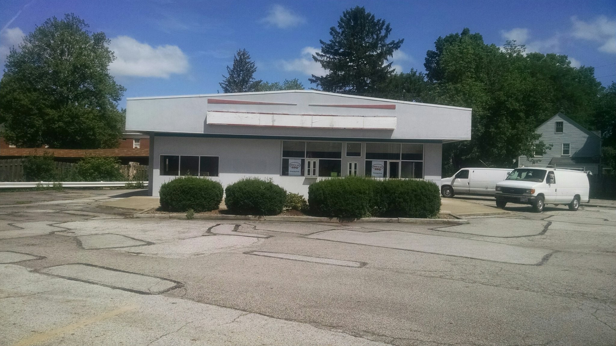 Sides To Go Bbq Moving Into Vacant East Coast Custard Building In