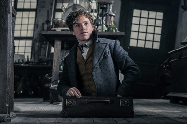 """Eddie Redmayne returns as magizoologist Newt Scamader in the fantasy sequel """"Fantastic Beasts: The Crimes of Grindelwald."""""""