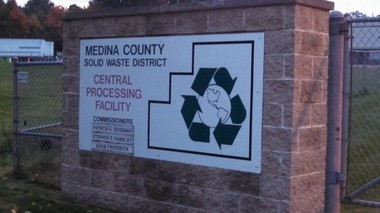 The sole operator of the 21-year-old Medina County Recycling Center, Envision Waste Services, is being challenged by Vexor Technology in the bidding war to operate the facility in the coming years.