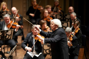 "Cleveland Orchestra music director laureate Christoph von Dohnanyi led performances of Mahler's Symphony No. 1 and a suite from Henze's opera ""The Bassarids"" Thursday night at Severance Hall."