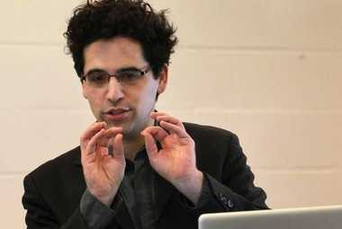 "Israeli-born composer Avner Dorman talked about his work, ""Uzu and Muzu from Kakaruzu,"" for students at Chambers Elementary School last month. CityMusic Cleveland gives the piece's Ohio premiere this week at five local venues."