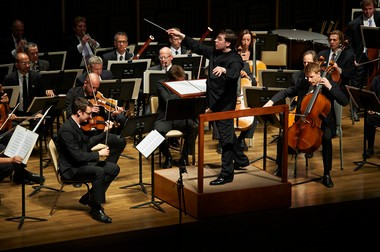 """Over two days last week at the Cleveland Museum of Art, assistant conductor James Feddeck and the Cleveland Orchestra led listeners on a tour of """"California Masterworks."""""""