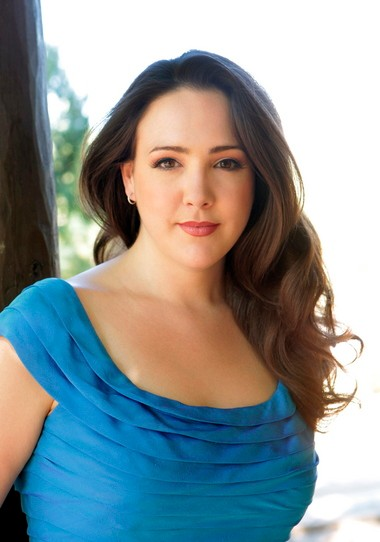 Soprano Susanna Phillips appeared on the Cleveland Chamber Music Society series Tuesday night along with violist Paul Neubauer and pianist Anne-Marie McDermott.
