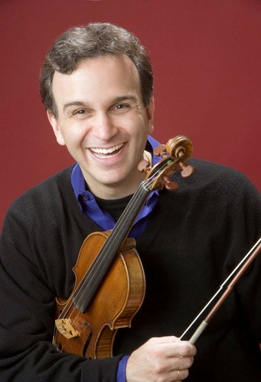 "Gil Shaham stood tall in a program of Bach Violin Sonatas and Partitas Thursday as part of the Cleveland Museum of Art's ""Masters of the Violin"" series."