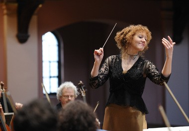Conductor Jeannette Sorrell, seen here in 2010, led her Apollo's Fire baroque orchestra last week in the first of two programs this season celebrating Bach's 330th birthday.