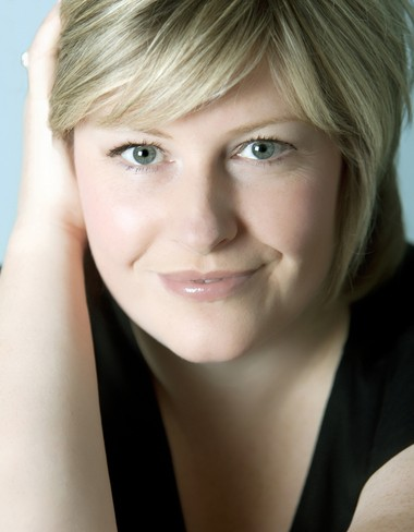 "Scottish mezzo-soprano Karen Cargill treated a Cleveland Orchestra audience Thursday to a ravishing performance of Berlioz's ""Les Nuits d'Ete"" with guest conductor Robin Ticciati."