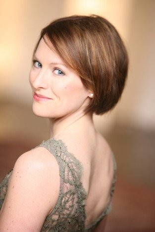 Soprano Carrie Henneman Shaw appeared Sunday with Les Delices at Plymouth Church in Shaker Heights.