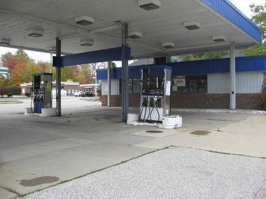 The city is moving forward with plans to get rid of the abandoned gas station at the corner of State and Royalton roads. It was last operational in 2007.