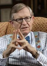 Retired Ohio State University President E. Gordon Gee