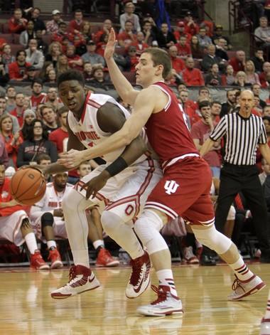 Ohio State freshman Jae'Sean Tate (1) scored 20 points on 9-of-10 shooting Sunday.