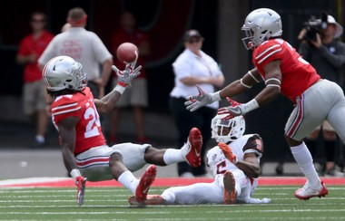 Malik Hooker's one-handed interception in the Ohio State's 77-10 win over Bowling Green.