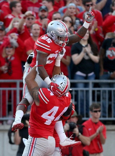 Mike Weber celebrates a touchdown during Ohio State's win over Northwestern this season.