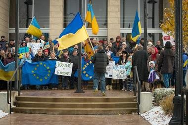 Dozens of local Ukrainian-Americans gathered at Parma City Hall on Saturday to protest Ukraine's decision to suspend preparations for a trade deal with the European Union. In other news, Green Valley Elementary School students recently learned about equipment that helps the disabled, and Small Business Saturday is in a few days.