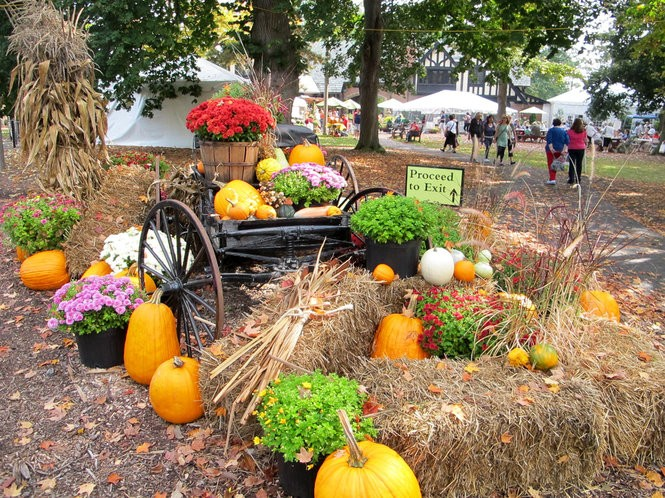 Stan Hywet Hall & Gardens is dressed for Ohio Mart this weekend.