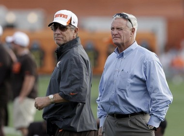 Browns offensive coordinator Norv Turner, left, and owner Jimmy Haslam watch a practice. Turner's aggressive offensive philosophy matches what Haslam and CEO Joe Banner seek from their coaches.